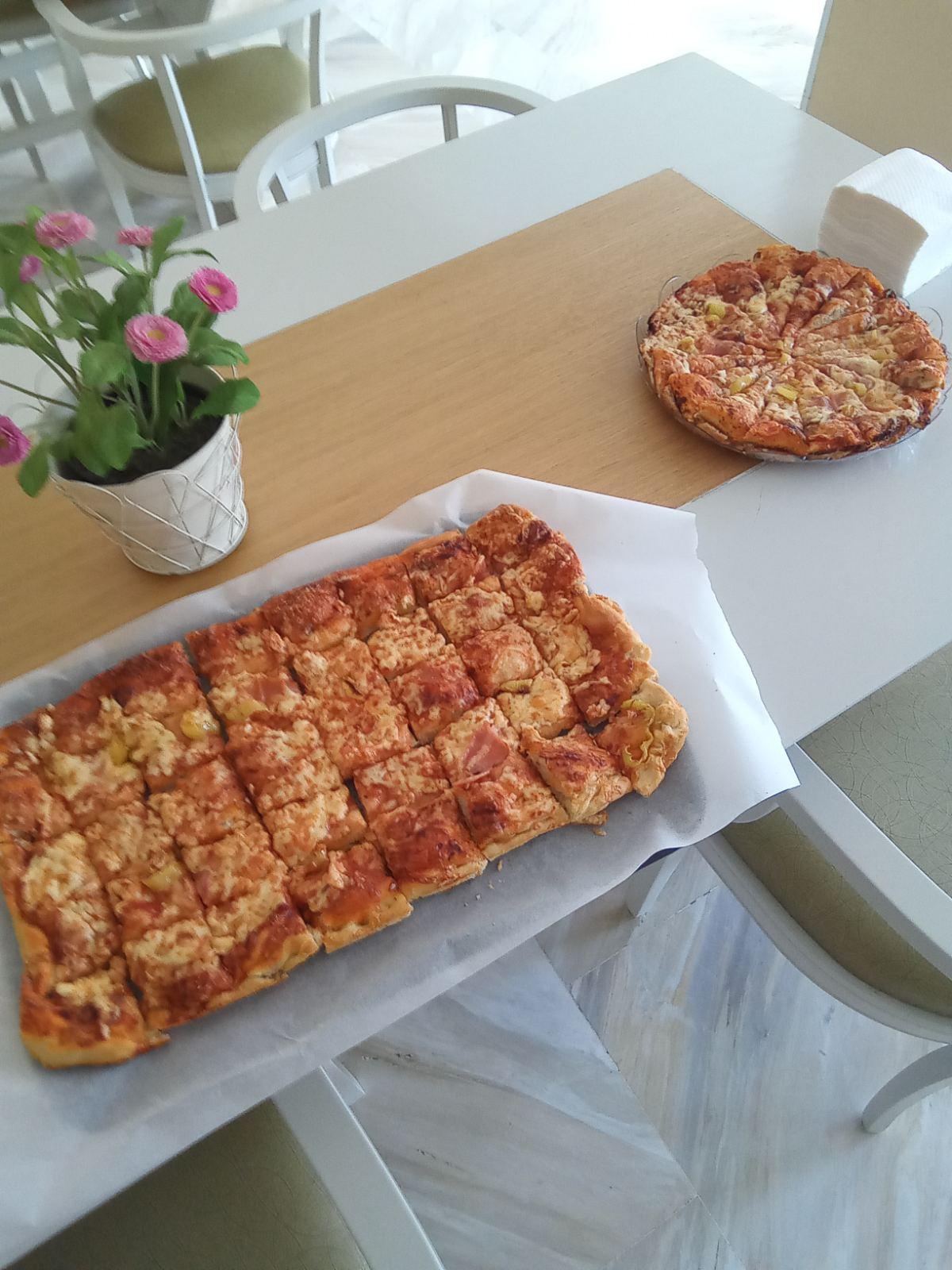 Οι φιλοξενούμενοι μας φτιάχνουν την δική τους πίτσα